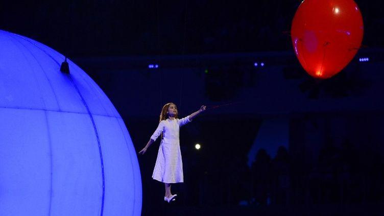 Début de la cérémonie d'ouverture des JO de Sotchi (Russie), le 7 février 2014. (JOHN MACDOUGALL / AFP)