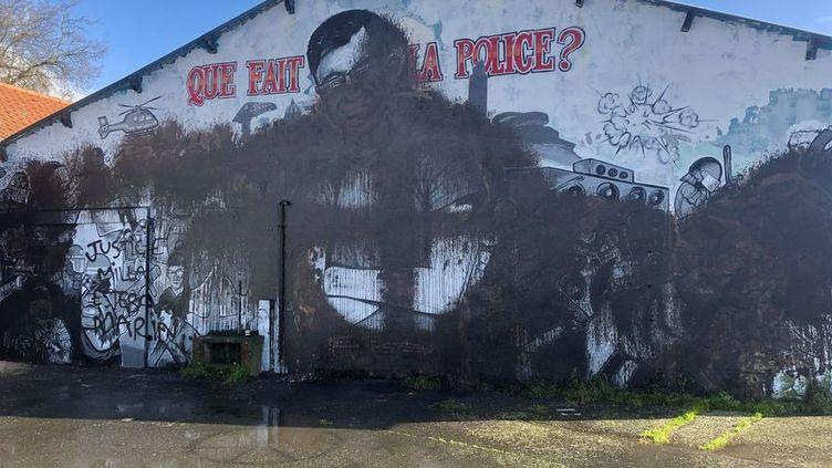La fresque en hommage à Steve Maia Caniço a été vandalisée deux fois en deux semaines à Nantes (Loire-Atlantique) (Manon Vautier-Chollet / Radio France)