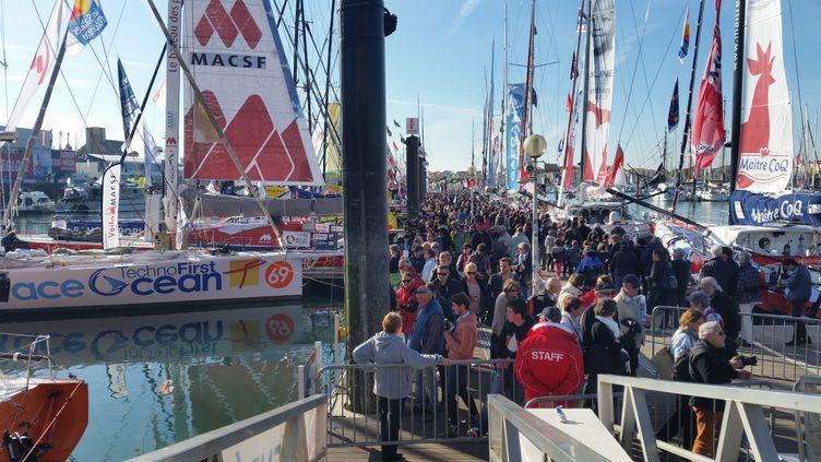 La foule avant le départ du Vendée Globe, le 3 novembre 2016 (CECILIA ARBONA / RADIO FRANCE)