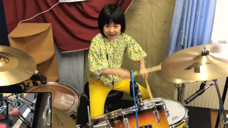 La petite japonaise Yoyoka Soma sur les pas de John Bonham de Led Zeppelin.  (Saisie écran )