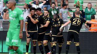 L'OGC Nice mène à Saint-Etienne. (JEAN-PHILIPPE KSIAZEK / AFP)