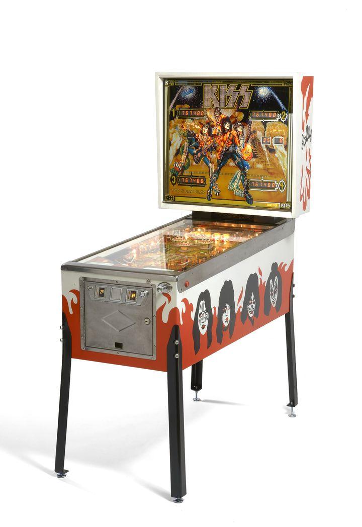 Flipper Kiss Usa 1979, estimé à 3000-5000 euros  (Artcurial)