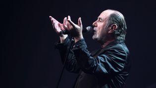 Michel Delpech en 2011 lors de la tournée Age tendre et têtes de bois  (PHOTOPQR/L'EST REPUBLICAIN)