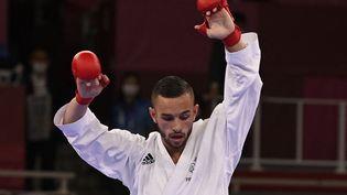 Steven Da Costa a remporté la médaille d'or aux Jeux olympiques de Tokyo, le 5 août 2021. (ALEXANDER NEMENOV / AFP)