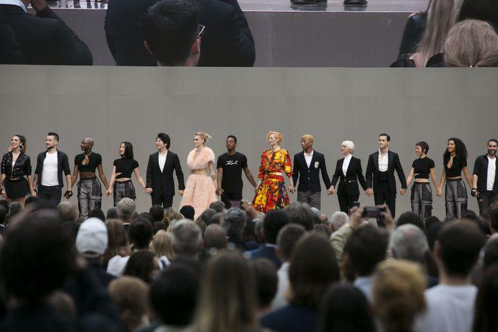 Acteurs et artistes rendent hommage à Karl Lagerfeld au Grand Palais à Paris, le 20 juin 2019 (DR)