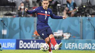 Le Français Antoine Griezmann lors de la victoire des Bleus face à l'Allemagne (1-0) à l'Euro, mardi 15 juin 2021. (FRANK HOERMANN/SVEN SIMON / dpa Picture-Alliance via AFP)
