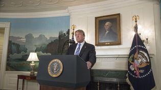 Le président américain Donald Trump prend la parole après la tuerie de Parkland, en Floride (Etats-Unis), le 15 février 2018 àla Maison-Blanche. (RON SACHS / CONSOLIDATED / AFP)