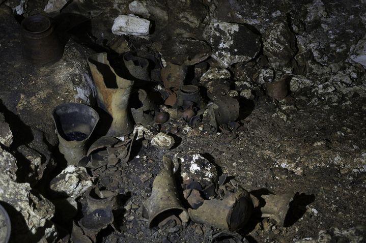 Brûleurs d'encens en céramique dans une grotte sur le site maya de Chichen Itza  (ESPECIAL / NOTIMEX)