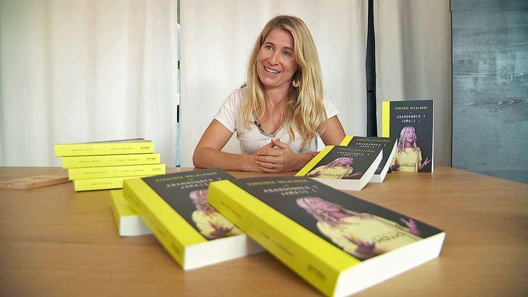 """Virginie Delalande, première avocate sourde de France, auteure du livre """"Abandonner ? Jamais !"""" (France 3 Alpes)"""