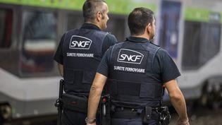 Des agents de sécurité de la SNCF patrouillent à Paris, le 14septembre 2016. (GEOFFROY VAN DER HASSELT / AFP)