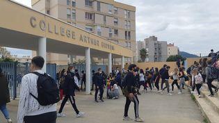 L'entrée du collège Arthur Giovoni à Ajaccio (2A), en novembre 2020. (OLIVIER CASTEL / FRANCE-BLEU FREQUENZA MORA)
