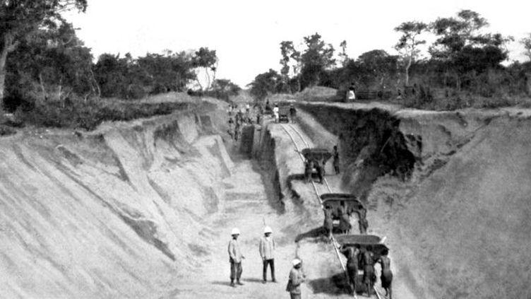 Le chantier de la ligne Congo-Océan en1923. (AFP - Photo12)