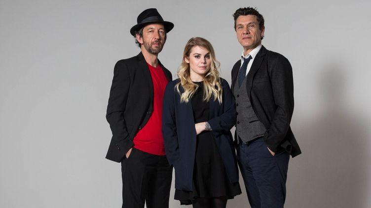 """Arthur H, Coeur de Pirate et Marc Lavoine, le trio du nouvel album """"Les souliers rouges"""" qui sortira le 9 septembre.  (PHOTOPQR/LE PARISIEN/MAXPPP)"""