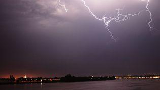 Des orages à Bordeaux (Gironde), le 18 juillet 2014. (MAXPPP)