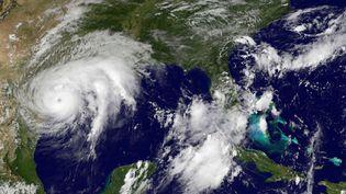 Image satellite de l'ouragan Harvey à son approche de la côte du Texas, le 25 août 2017. (HO / NASA / NOAA)