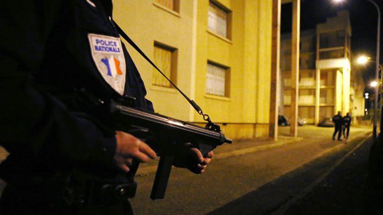 (Perquisition dans un appartement de Carcassonne le 20 novembre dernier © MaxPPP)