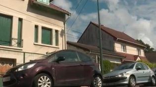 Cette décision de la Cour de cassation interpelle plus d'un automobiliste : il est désormais interdit de stationner devant son propre garage sous peine d'une amende. (FRANCE 2)