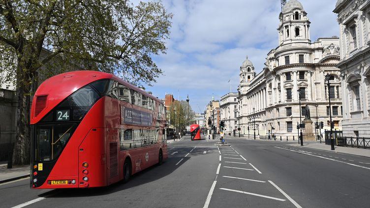 La ville de Londres confinée durant la pandémie de coronavirus, le 13 avril 2020. (GLYN KIRK / AFP)