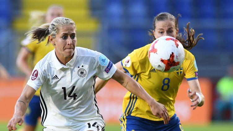 La joueuse allemande Anna Blaesse face à la Suède.  (CARMEN JASPERSEN / DPA)