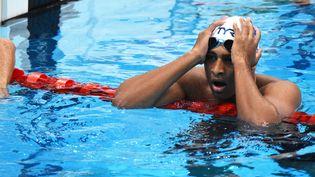 Yohann Ndoye-Brouard lors de la demi-finale du 100 mètres dos des Jeux olympiques de Tokyo, lundi 26 juillet 2021. (YOANN CAMBEFORT / MARTI MEDIA)