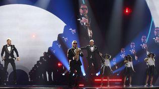 Le groupe SunStroke Project repète sur la scène de l'Eurovision à Kiev (Ukraine), le 8 mai 2017. (SERGEI CHUZAVKOV / AP / SIPA)