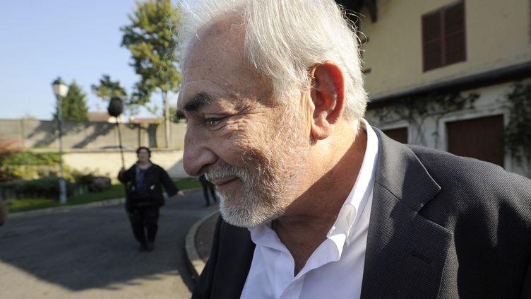L'ancien patron du FMI Dominique Strauss-Kahn à Sarcelles (Val-d'Oise), le 16 octobre 2011. (THOMAS SAMSON / AFP)