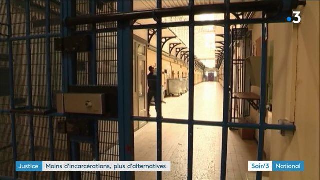 Macron veut développer les alternatives à la prison