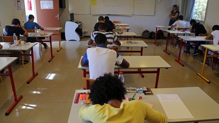 """Selon""""20 Minutes"""", l'Education nationale a recensé 857 cas de suspicion de radicalisation, pour l'année scolaire 2014-2015. (RICHARD BOUHET / AFP)"""