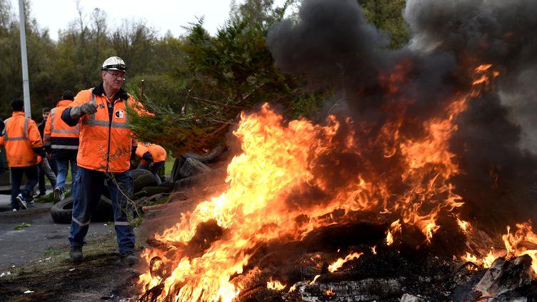 Les salariés de l'aciérie Ascoval à Saint-Saulve (Nord) ont décidéle 24 octobre 2018de poursuivre le blocage de l'usine. (FRANCOIS LO PRESTI / AFP)