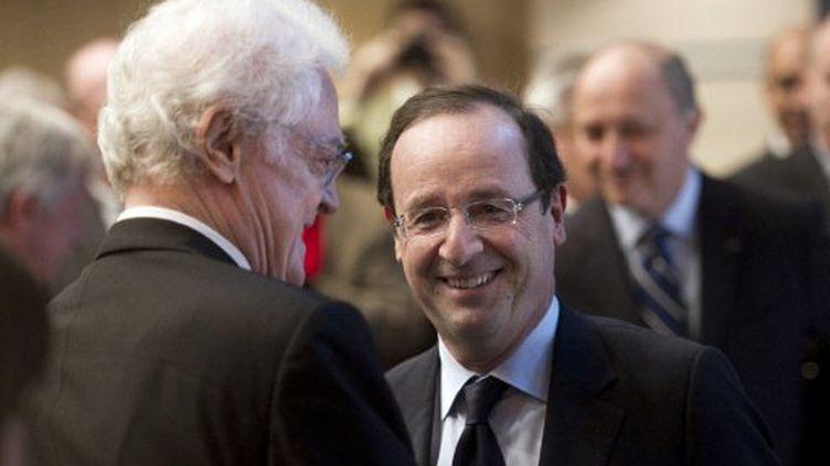 François Hollande ne veut pas reproduire les erreurs de 2002. (FRED DUFOUR / AFP)