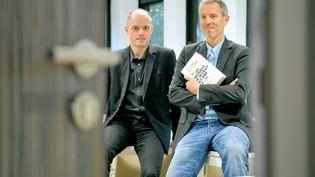 """Fabrice Lhomme et Gérard Davet, auteurs du livre """"Un président ne devrait pas dire ça"""", sur les confidences de François Hollande. (MAXPPP)"""
