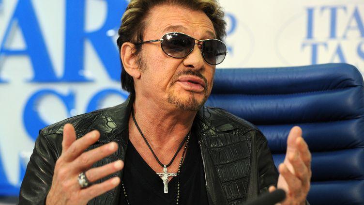 Le chanteur Johnny Hallyday lors d'une conférence de presse à Moscou, le29 mai 2012. (YURI KADOBNOV / AFP)