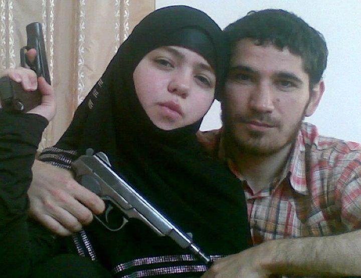 Djennet Abdourakhmanovaet son mariOumalat Magomedov, tué en 2009. ( AFP PHOTO / NEWSTEAM / HO)