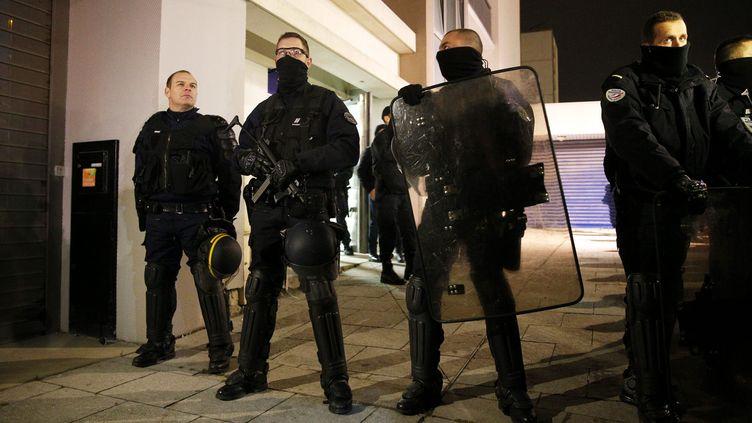 (Des perquisitions ont été menées mercredi soir à Reims avec l'appui des policiers du RAID © MaxPPP)