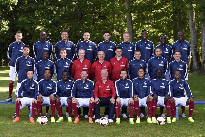 Les joueurs de l'équipe de France de football sélectionnés pour le Mondial au Brésil, le 6 juin 2014, au centre d'entraînement de Clairefontaine (Yvelines). (ERIC FEFERBERG / AFP)