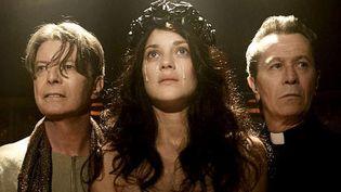 """David Bowie, Marion Cotillard et Gary Oldman dans le clip de """"The Next Day"""".  (Daviebowie.com)"""