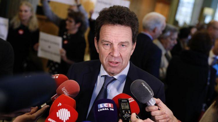 Geoffroy Roux de Bézieux, le président du Medef, s'adresse à la presse, le 11 décembre 2019 à Paris. (THOMAS SAMSON / AFP)