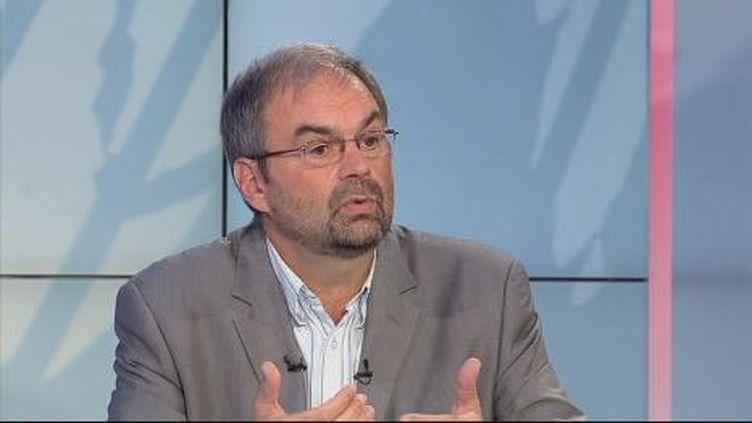 François Chérèque s'ssocie aux familles des victimes en demandant la levée totale du  secret défense. (F3)