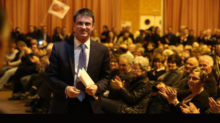 Manuel Valls, le 9 mars 2015, à Bresles (Oise), soutient les candidats PS aux élections départementales. (  MAXPPP)