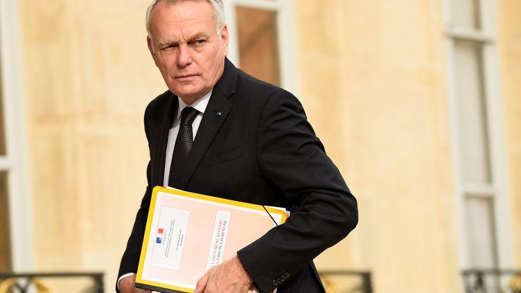 Jean-Marc Ayrault, ministre des Affaires étrangères, le 27 juillet 2016 devant l'Élysée. (BERTRAND GUAY / AFP)