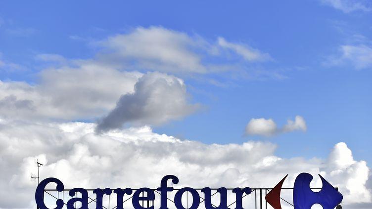 Les souris ont été découvertes dans des vêtements vendus dans le magasin Carrefour d'Evry. (LOIC VENANCE / AFP)