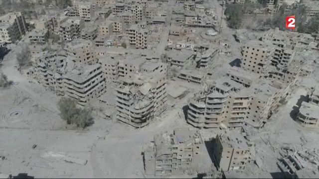 Raqqa : assiégés, les jihadistes fuient leur ancien bastion