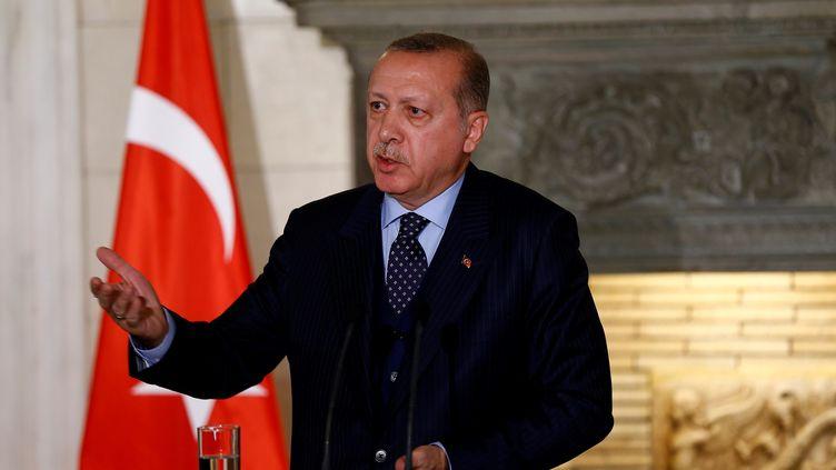 Le président turc,Recep Tayyip Erdogan, lors d'une conférence de presse avec le Premier ministre grec Alexis Tsipras, le 7 décembre 2017 à Athènes (Grèce). (MEHMET ALI OZCAN / ANADOLU AGENCY / AFP)