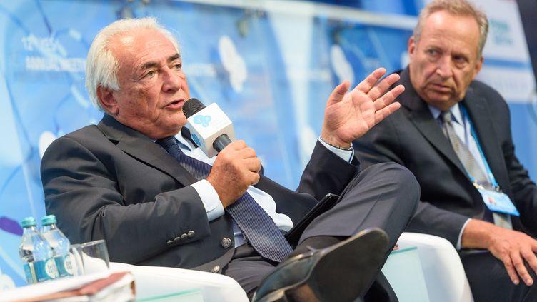 L'ancien directeur du FMI Dominique Strauss-Kahn assiste le 11 septembre 2015 à la 12e rencontre annuelle organisée par la fondation Yalta European Strategy en Ukraine. (YALTA EUROPEAN STRATEGY PRESS / ANADOLU AGENCY / AFP)