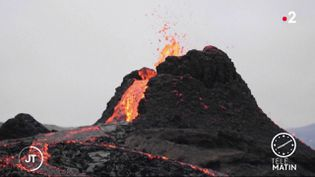 Le volcan islandais Fagradalsfjall est entré en éruption (France 2)