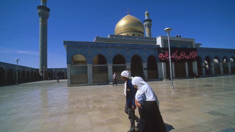 L'esplanade de la mosquée de Zaynab,haut-lieu de pèlerinage chiite à Damas (FELIPE J. ALCOCEBA / BILDERBERG)