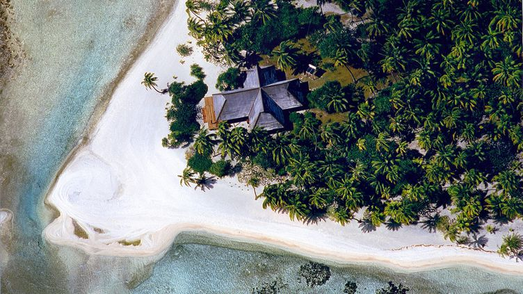 Pour un caillou perdu au milieu de la mer, il faut compter à l'achat environ 50 000 euros et jusqu'à 200 millions pour une île tout confort. (VLADI PRIVATE ISLANDS / MEDIADRUMIMAGES.COM / MAXPPP)