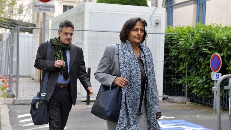 Frédéric et Paola Marin, les parents d'Agnès, arrive au trinal duPuy-en-Velay(Haute-Loire)pour le procès du violeur etmeurtrier présumé de leur fille, le 28 juin 2013. (THIERRY ZOCCOLAN / AFP)