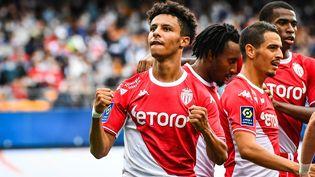 Les joueurs de l'AS Monaco lors du match de Ligue 1 face à Troyes, le 29 août 2021. (MATTHIEU MIRVILLE / AFP)