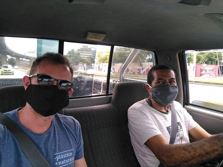 """Axel Lahaye en voiture dans les rues de Rio de Janeiro : """"On a l'impression de ne pas être gouverné correctement et ça se ressent"""" (Casa 48)"""